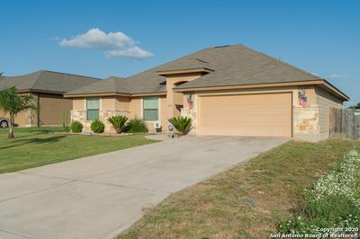 1824 WANDERING TRL, Pleasanton, TX 78064 - Photo 2