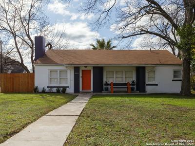 2102 W MISTLETOE AVE, San Antonio, TX 78201 - Photo 1
