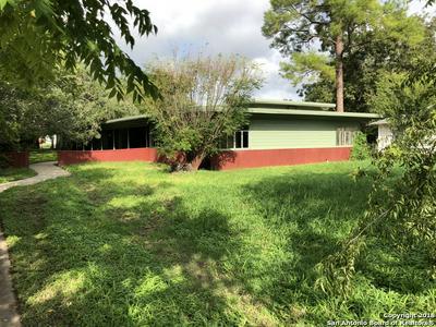 619 N MAIN ST, Pleasanton, TX 78064 - Photo 1