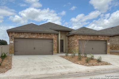 137 JOANNE CV, New Braunfels, TX 78130 - Photo 2