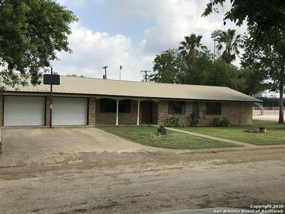 307 CEDALIA AVE, Jourdanton, TX 78026 - Photo 1