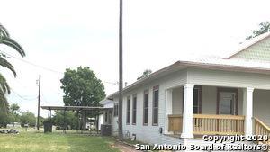 110 W SOUTH LINE ST, Karnes City, TX 78118 - Photo 2
