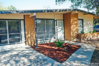 330 LADDIE PL, San Antonio, TX 78201 - Photo 2