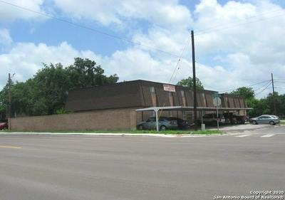 1200 E HOUSTON ST, Beeville, TX 78102 - Photo 1