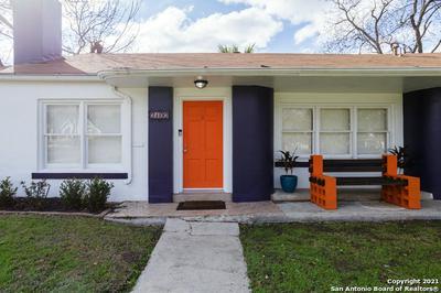 2102 W MISTLETOE AVE, San Antonio, TX 78201 - Photo 2