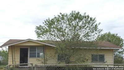 409 N YULE AVE, Charlotte, TX 78011 - Photo 1