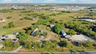 4405 S FLORES RD, Elmendorf, TX 78112 - Photo 2