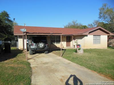 1203 E SAN ANTONIO ST, PEARSALL, TX 78061 - Photo 1