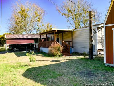 303 W DAILEY ST, Kenedy, TX 78119 - Photo 1