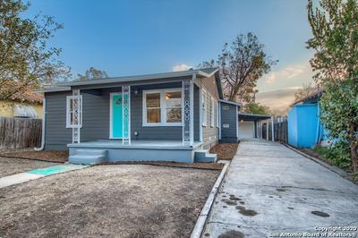 916 W ROSEWOOD AVE, San Antonio, TX 78201 - Photo 2