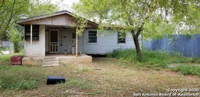 908 PLUM ST, Floresville, TX 78114 - Photo 1