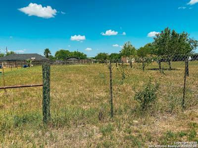 1321 LONGHORN DR, Floresville, TX 78114 - Photo 2