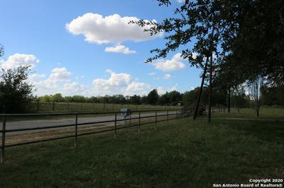 611 GOLIAD RD, Floresville, TX 78114 - Photo 2