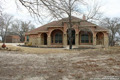 102 CACTUS LN, Floresville, TX 78114 - Photo 1