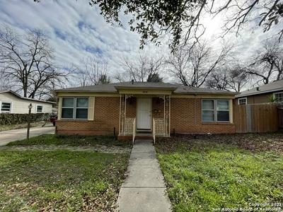 2218 W HERMOSA DR, San Antonio, TX 78201 - Photo 2
