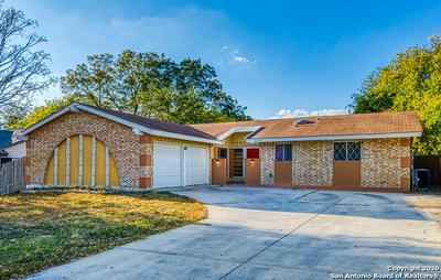 4239 BAYLISS ST, San Antonio, TX 78233 - Photo 2