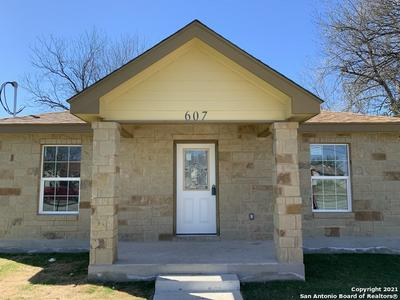 605 SW 36TH ST, San Antonio, TX 78237 - Photo 2