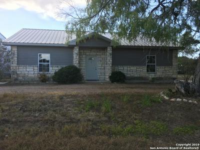 702 S PANNA MARIA AVE, Karnes City, TX 78118 - Photo 1