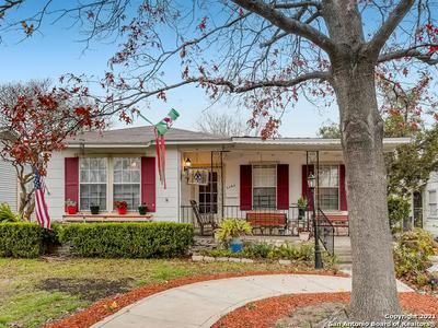 1345 W HOLLYWOOD AVE, San Antonio, TX 78201 - Photo 1