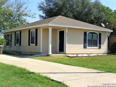 333 WILDROSE DR, Floresville, TX 78114 - Photo 1