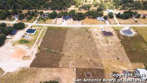 458 TROPHY LN, Poteet, TX 78065 - Photo 2