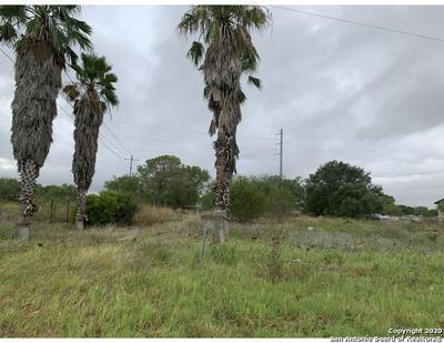 4741 US HIGHWAY 181 N, Floresville, TX 78114 - Photo 2