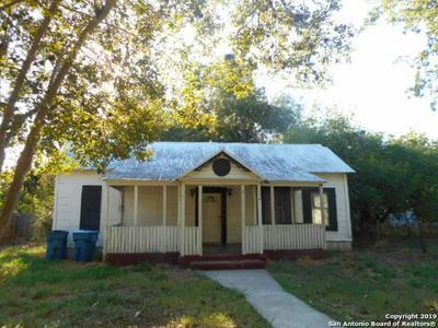 805 N MAIN ST, Pleasanton, TX 78064 - Photo 1