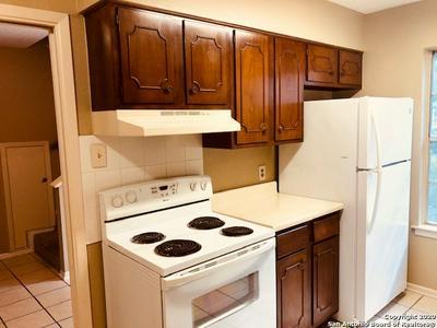 811 JACKSON KELLER RD APT 3, San Antonio, TX 78216 - Photo 2