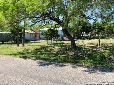205 E BOWIE ST, Karnes City, TX 78118 - Photo 2