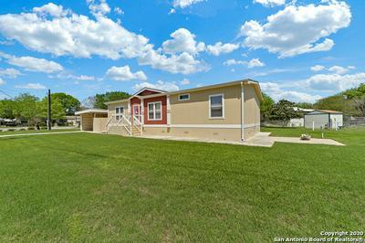 915 TONKAWA CIR, NEW BRAUNFELS, TX 78130 - Photo 1