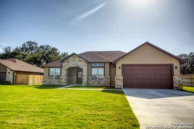 1705 CROOKED CRK, Pleasanton, TX 78064 - Photo 2