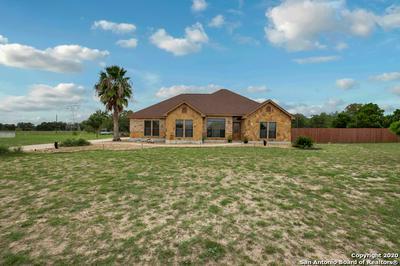 73 OAK FIELDS DR, Floresville, TX 78114 - Photo 2