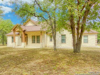 721 KILLARNEY RD, Floresville, TX 78114 - Photo 1