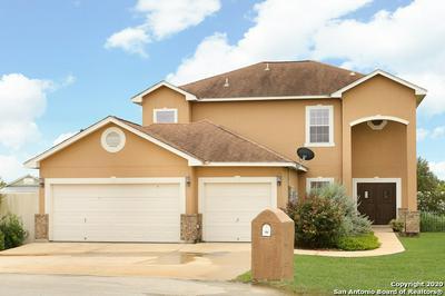 184 FAIRWAY DR, Floresville, TX 78114 - Photo 2