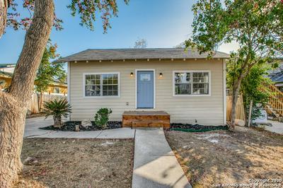 1114 LEE HALL, San Antonio, TX 78201 - Photo 1
