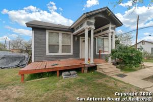 907 BROADWAY ST, Jourdanton, TX 78026 - Photo 2