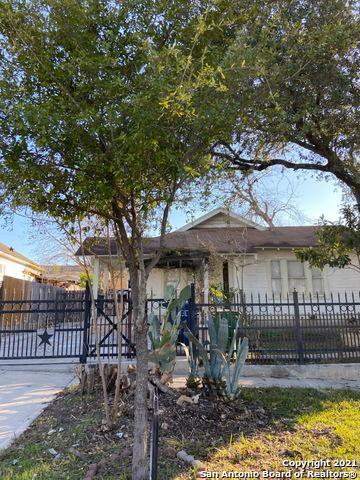 1104 W GRAMERCY PL, San Antonio, TX 78201 - Photo 1