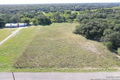 246 SHAMROCK DR, Floresville, TX 78114 - Photo 1