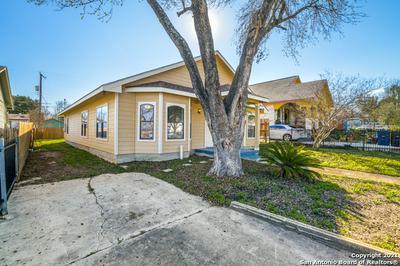 1318 W HOLLYWOOD AVE, San Antonio, TX 78201 - Photo 2