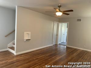 905 DONALDSON AVE, San Antonio, TX 78228 - Photo 2