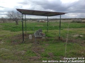 700 S ROOSEVELT, Nixon, TX 78140 - Photo 1