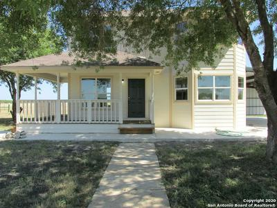 631 COUNTY ROAD 642, Hondo, TX 78861 - Photo 2