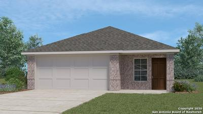 197 MIDDLE GREEN LOOP, Floresville, TX 78114 - Photo 1