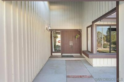 1539 MISSION MEADOWS DR, OCEANSIDE, CA 92057 - Photo 2