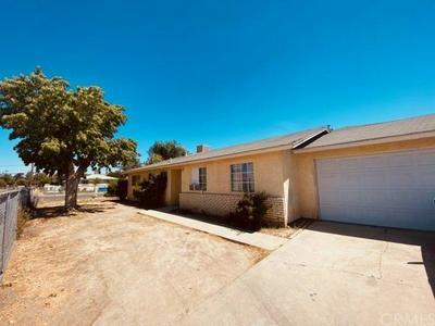 216 19TH AVE, Delano, CA 93215 - Photo 1