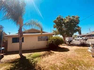 216 19TH AVE, Delano, CA 93215 - Photo 2