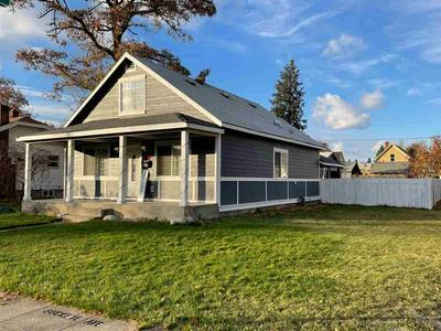 1402 W BUCKEYE AVE, Spokane, WA 99205 - Photo 1