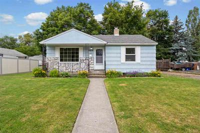 5609 N D ST, Spokane, WA 99205 - Photo 1