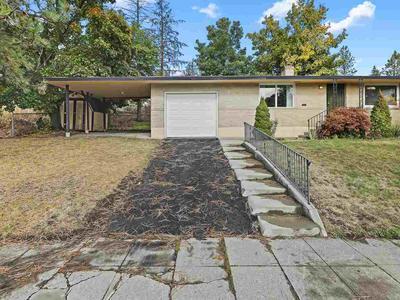335 E 16TH AVE, Spokane, WA 99203 - Photo 2