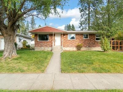 5608 N FOREST BLVD, Spokane, WA 99205 - Photo 1